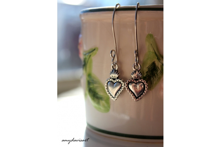 Long earrings with heart charms