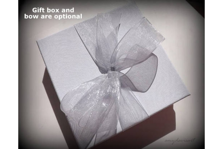 Optional gift box and bow (no extra charge)